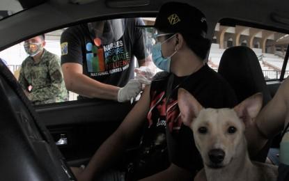 DOT hails opening of Luneta drive-thru vax site