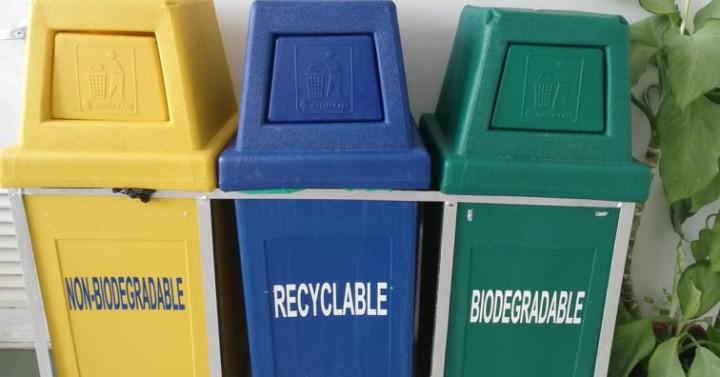 Iloilo Capitol Eyes Standard Uniform Waste Bins Philippine News Agency